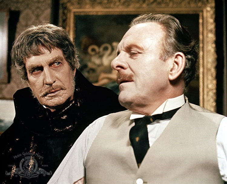 Vincent Price and Terry-Thomas - headstuff.org